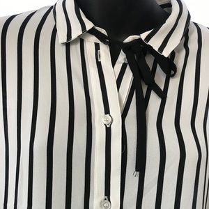 H&M white and black stripped long sleeve blouse.